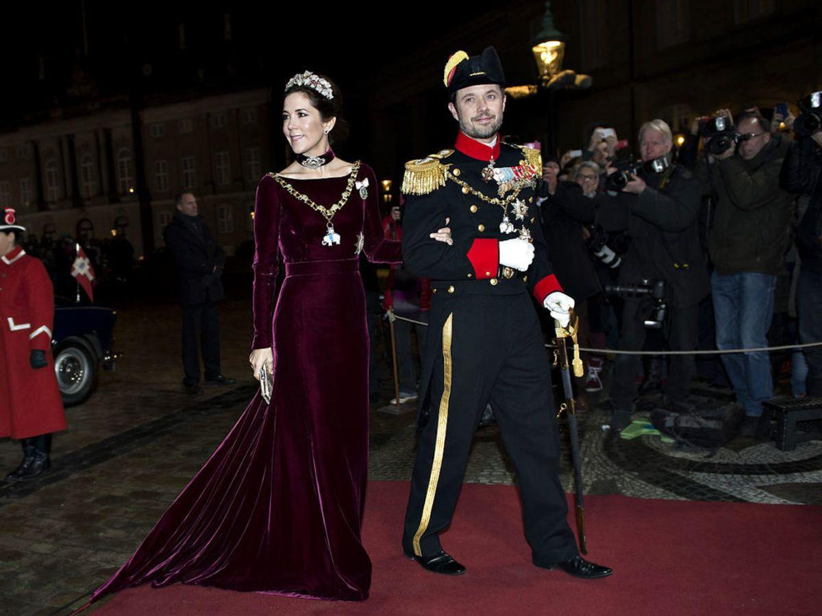 Som kongelig er der også mange officielle arrangement. Her ses Kronprins Frederik og kronprinsesse Mary til nytårskur og -taffel i 2014. Foto: Keld Navntoft / SCANPIX