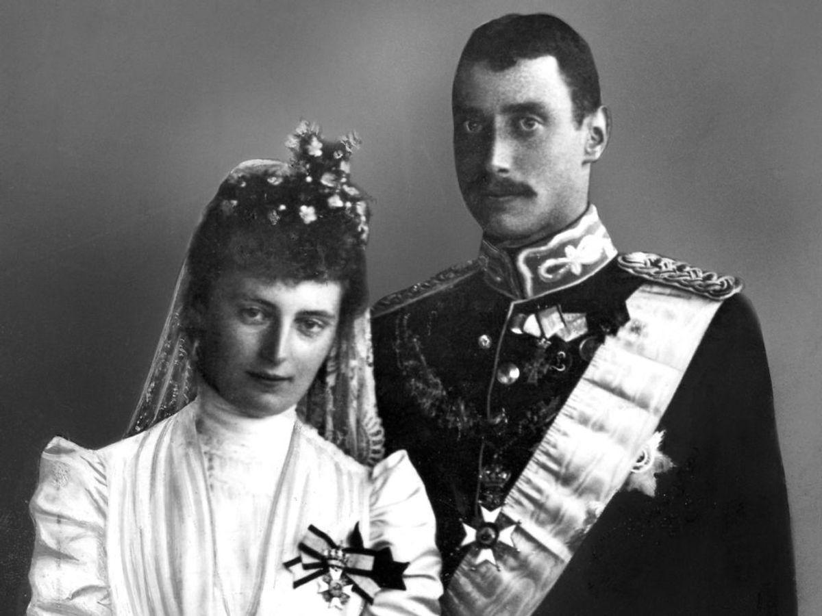 1898: Bryllupsbillede af Prins Christian (Kong Christian den 10.) og Alexandrine af Mecklenburg-Schwerin. Foto: SCANPIX