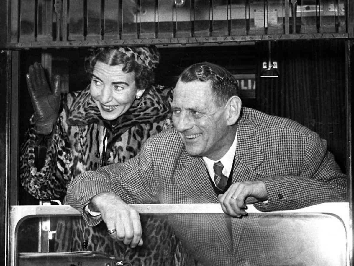1952: Med Italiensexpressen afrejste kong Frederik og dronning Ingrid fra København for at aflægge et privat besøg i Rom. Foto: Vittus Nielsen / SCANPIX