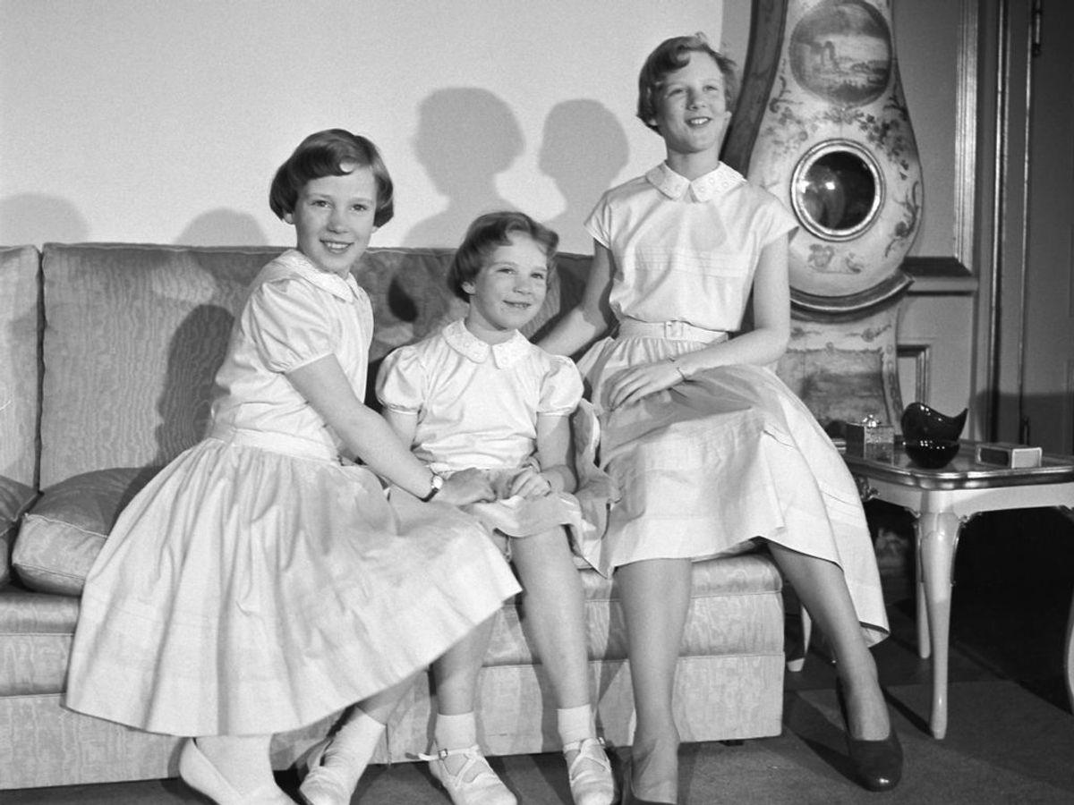 1954: Prinsesserne Benedikte, Anne marie og Margrethe på Amalienborg. Foto: Inga Aistrup / SCANPIX