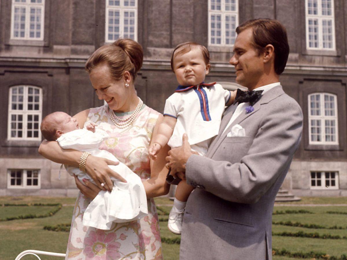 1969: Kongefamiliens nyeste prins, Joachim, præsenteres for pressen. Steen Jacobsen / Scanpix