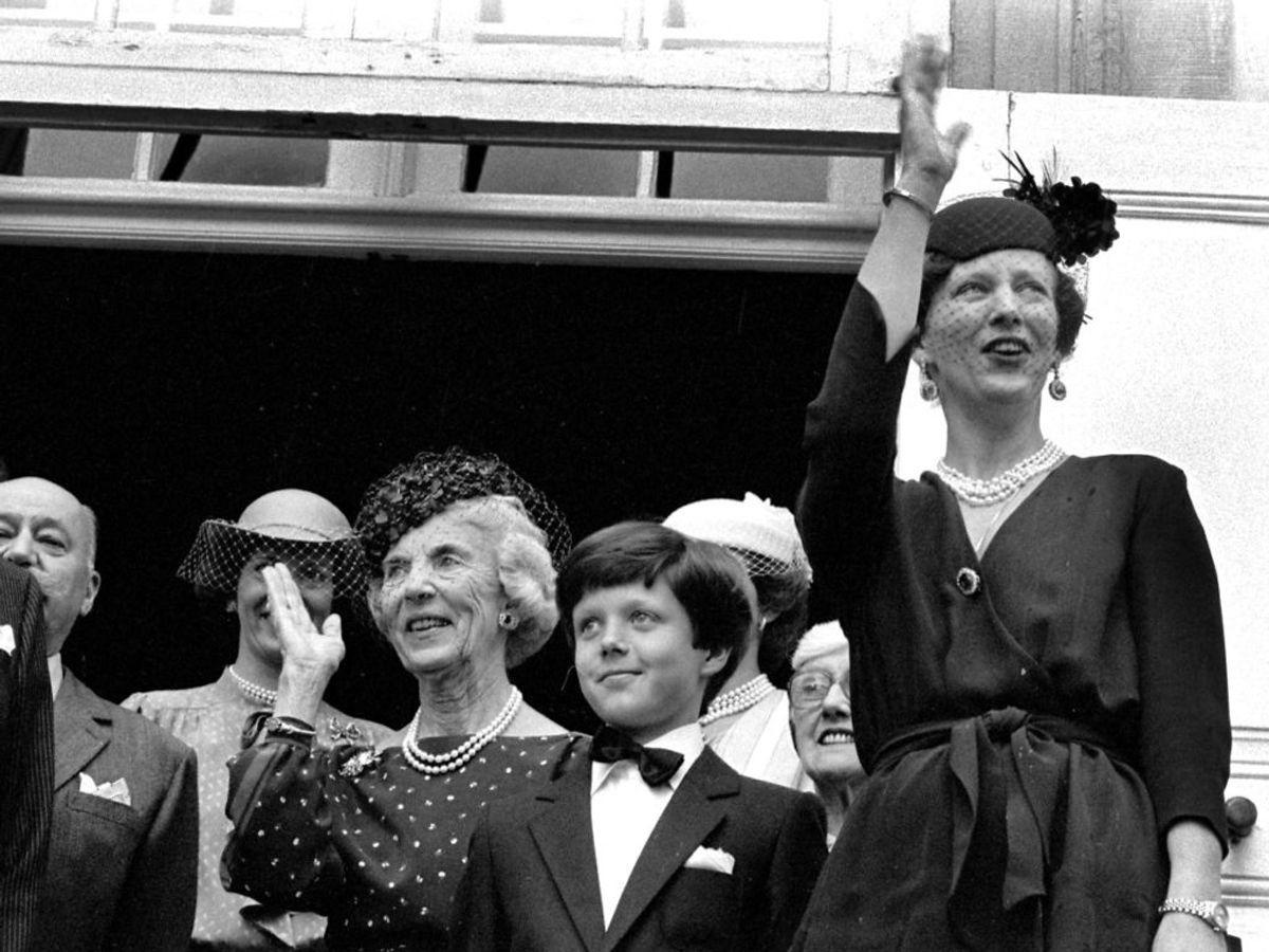 1981: Regentfamilien foran Fredensborg Slot ved kronprins Frederiks konfirmation. Foto: Emil Christensen / SCANPIX