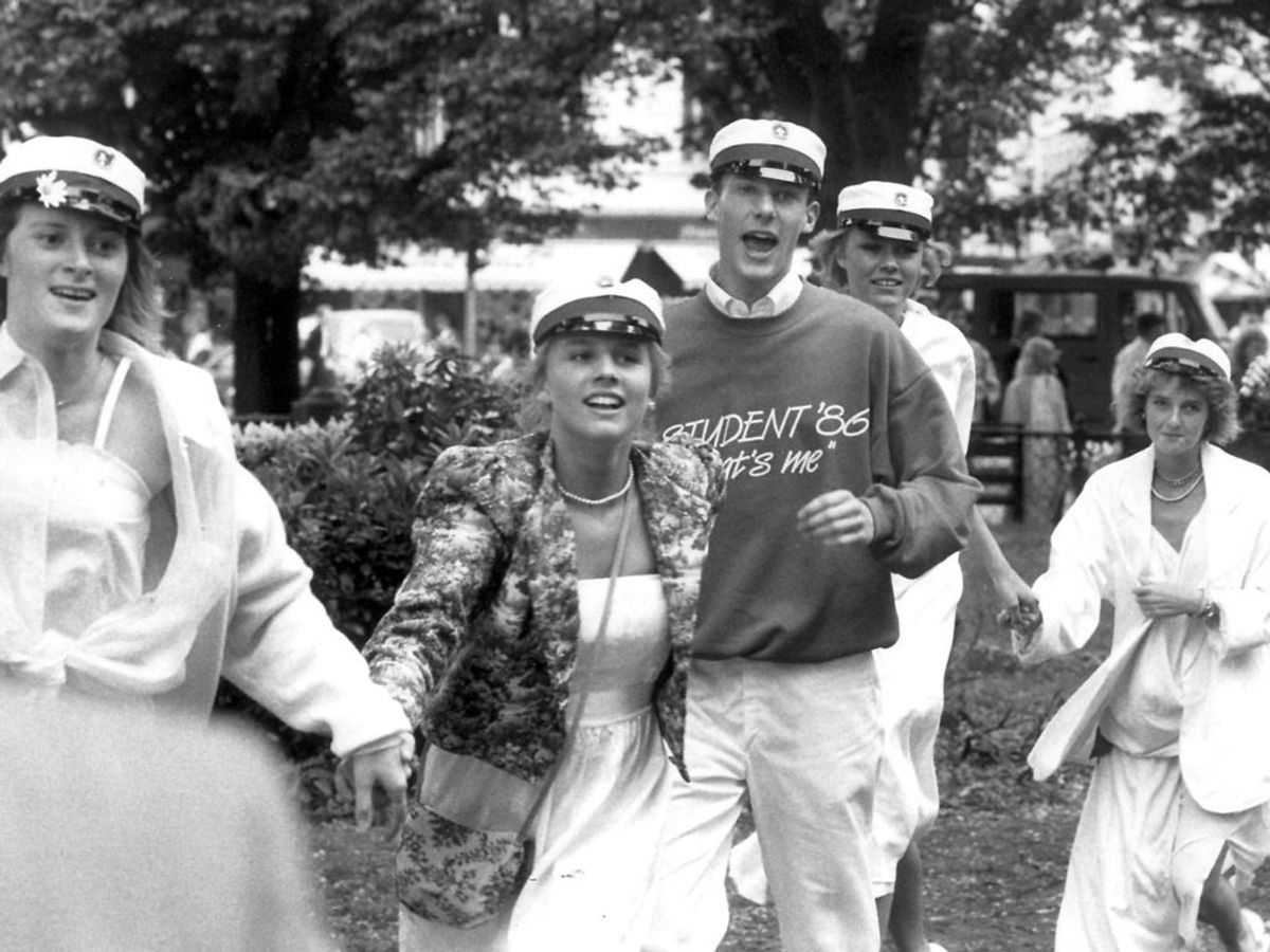 1986: Prins Joachim fejrer sin studentereksamen. Foto: Bjarne Lüthcke / SCANPIX