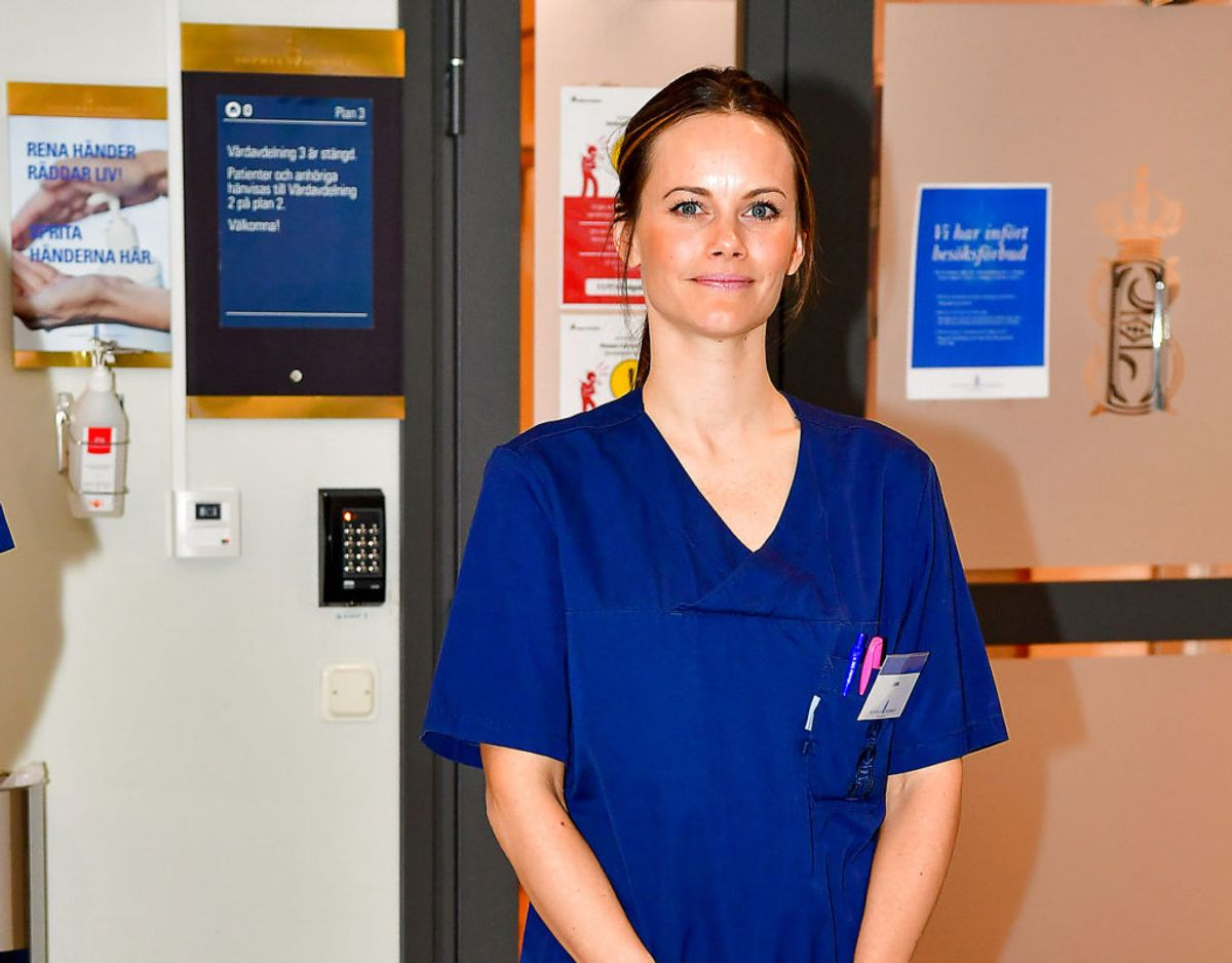 Prinsessen har under coronakrisen arbejdet som frivillig hjælper på hospitalet Sophiahemmet i Stockholm. Klik videre for flere billeder. Foto: Scanpix/TT News Agency/Jonas Ekstromervia REUTERS