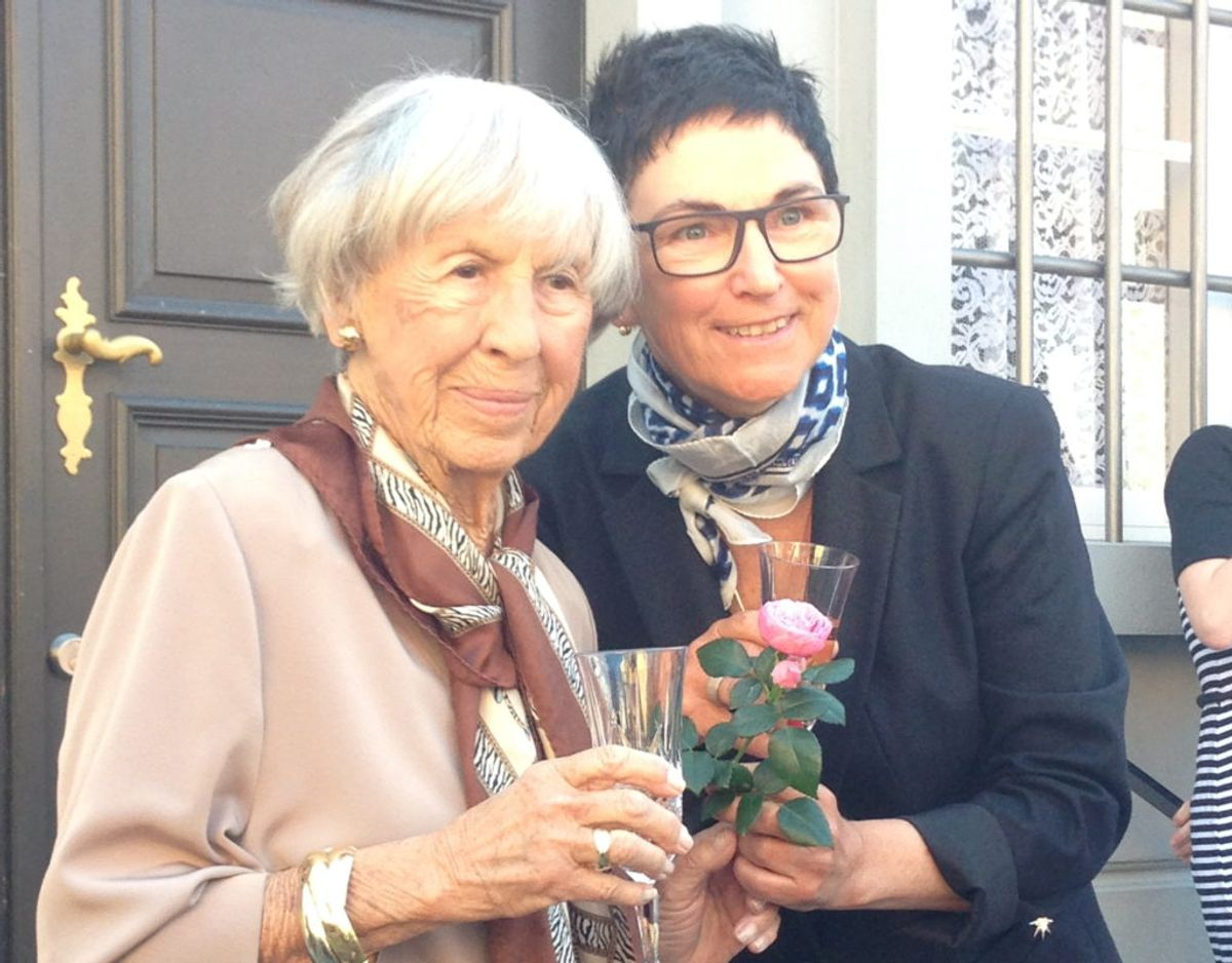 Lise Nørgaard var med, da Korsbæk blev afsløret for offentligheden. Foto: Roses Forever.