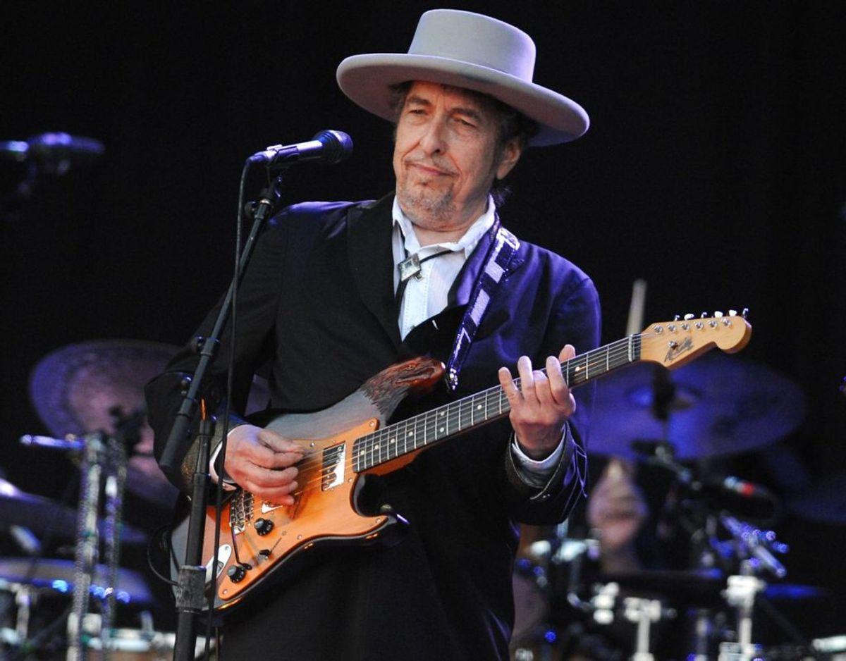 Bob Dylan er en gammel knejt, men nu har han da rekorden som den ældste nummer 1 indtil videre. Foto: Scanpix