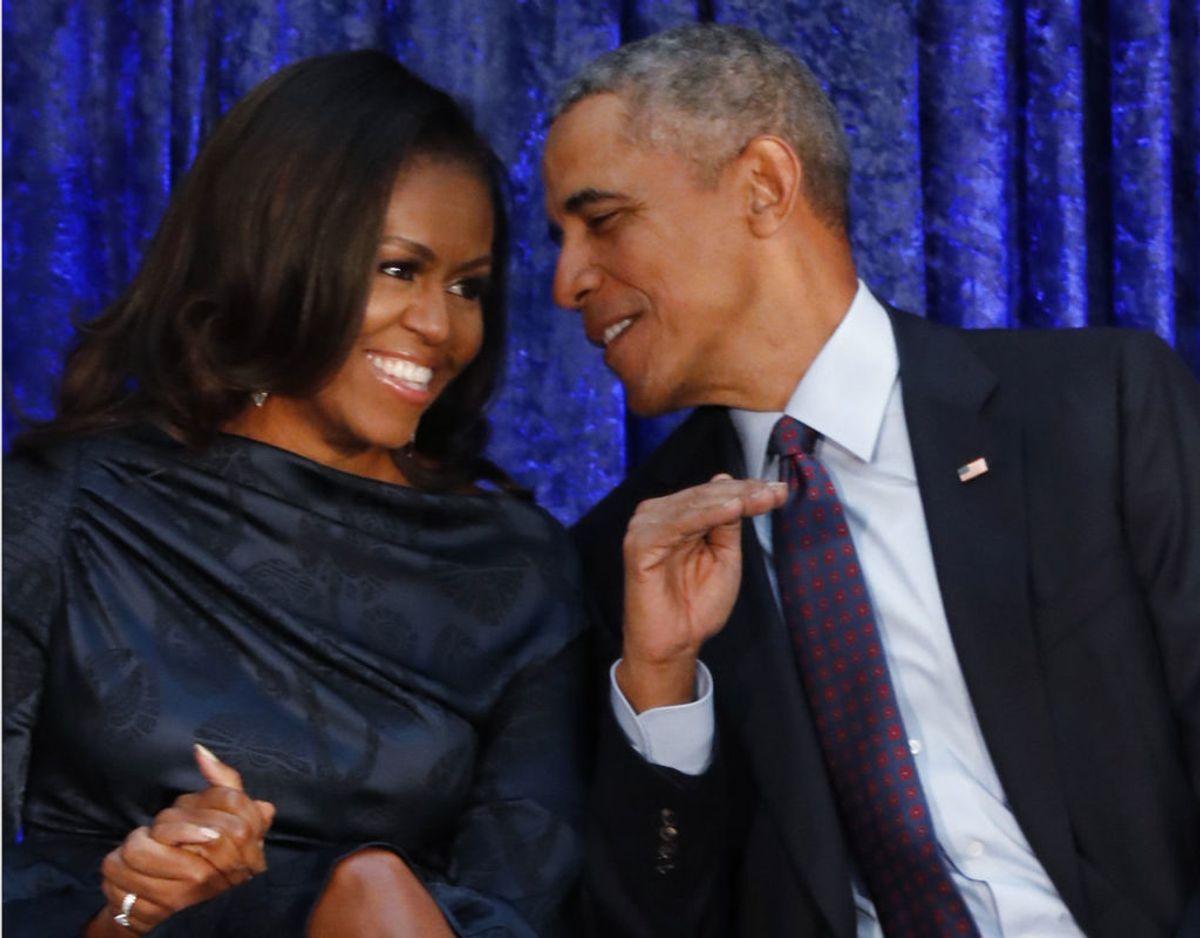 Med Harry Walker Agency aftalen kommer hertugen og hertuginden af Sussex nu til at 'gå i klasse' med Barack og Michelle Obama. Klik videre for flere billeder. Foto: Scanpix/REUTERS/Jim Bourg