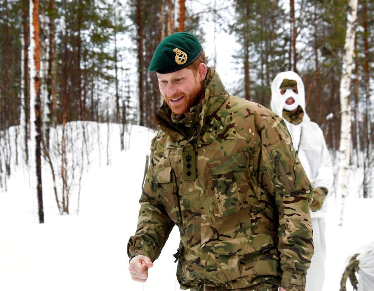Så sent som i februar 2019 besøgte  prins Harry en militær øvelse med deltagelse af soldater fra Royal Marines. Klik videre for flere billeder. Foto: NTB Scanpix/Rune Stoltz Bertinussen via REUTERS