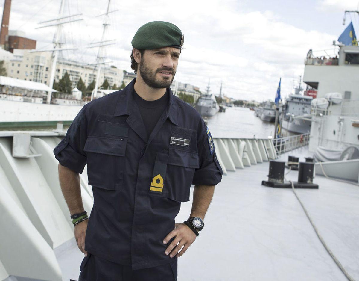 Prins Carl Philip har en militær uddannelse og har i dag rang af major. Klik videre for flere billleder. Foto: Scanpix/REUTERS/Roni Lehti/Lehtikuva