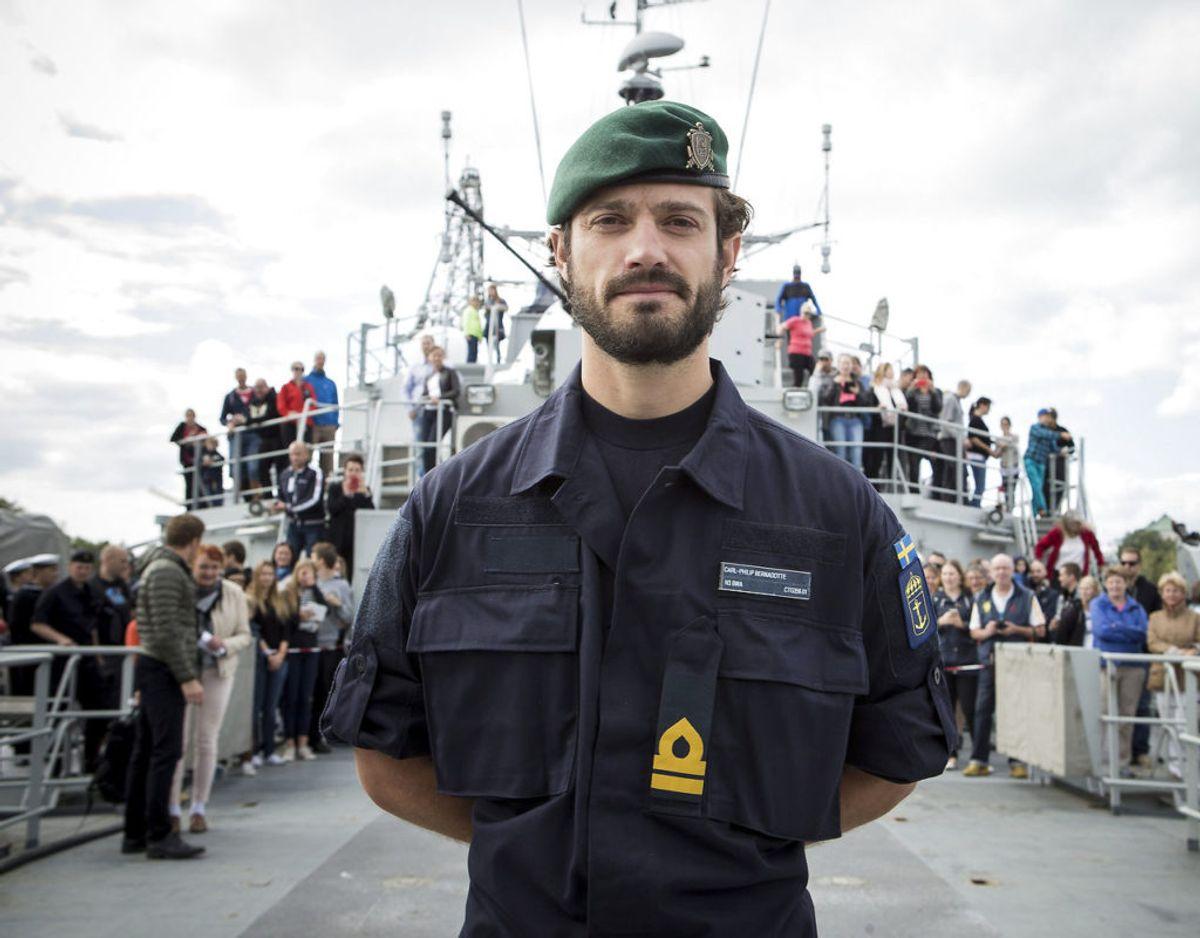 Svenske prins Carl Gustaf har meldt sig til frivillig militærtjeneste ved forsvarets hovedkvarter her under coronakrisen. Klik videre for flere billeder. Foto: Scanpix/REUTERS/Roni Lehti/Lehtikuva