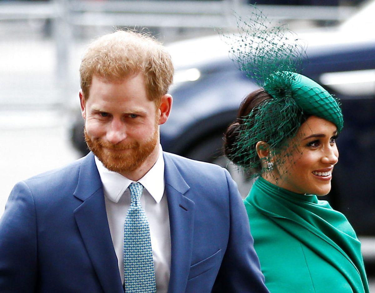 Meghans sidste opgaver som royal handlede om Commonwealth. Her ankommer hun sammen med Harry til gudstjeneste i Westminster Abbey sammen med Harry. Klik videre for flere billeder. Foto: Scanpix/REUTERS/Henry Nicholls