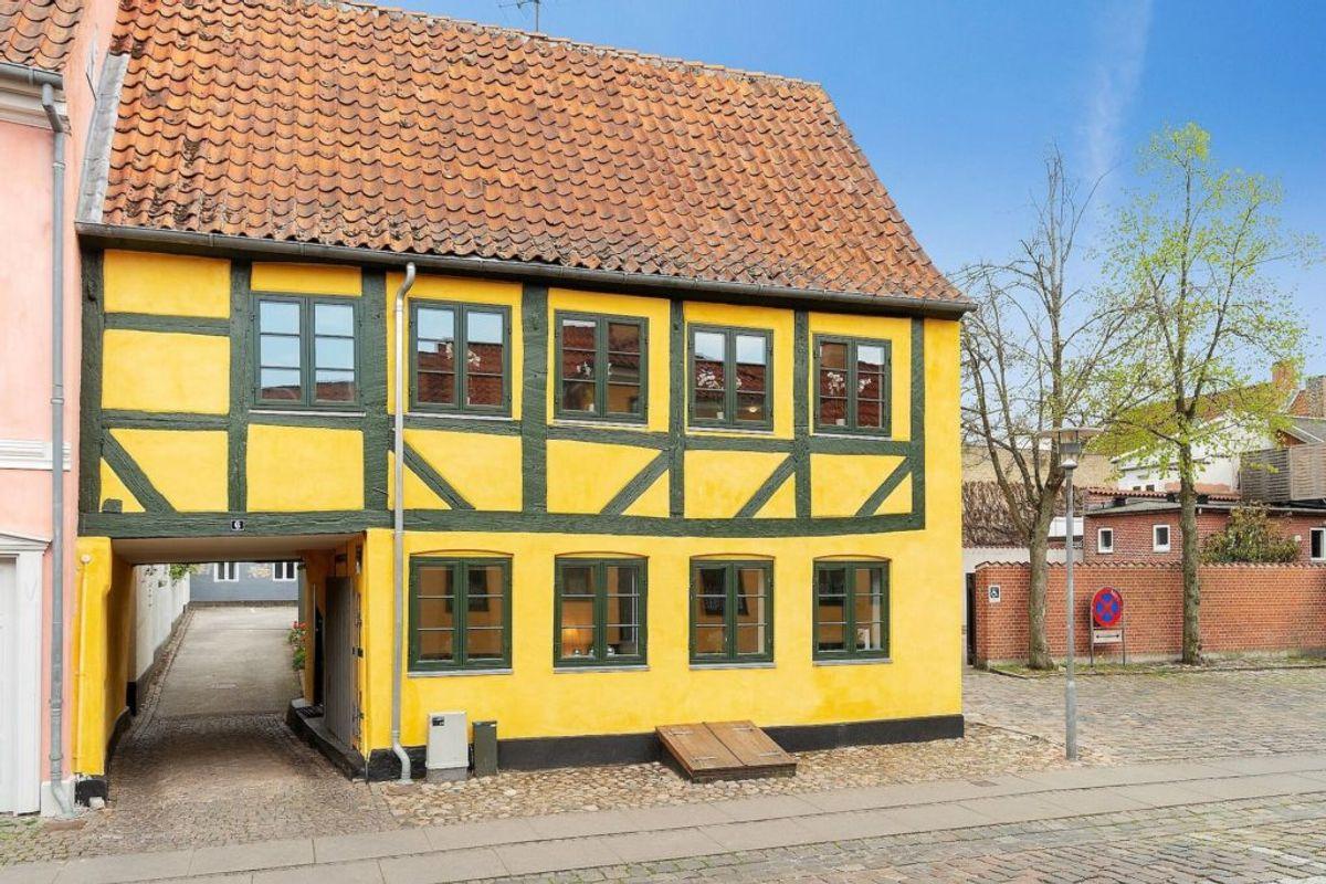 Køb dig til en bid af Matador: Agnes' hus er til salg. Foto: Ejendomsmæglerfirmaet Allan Folmer