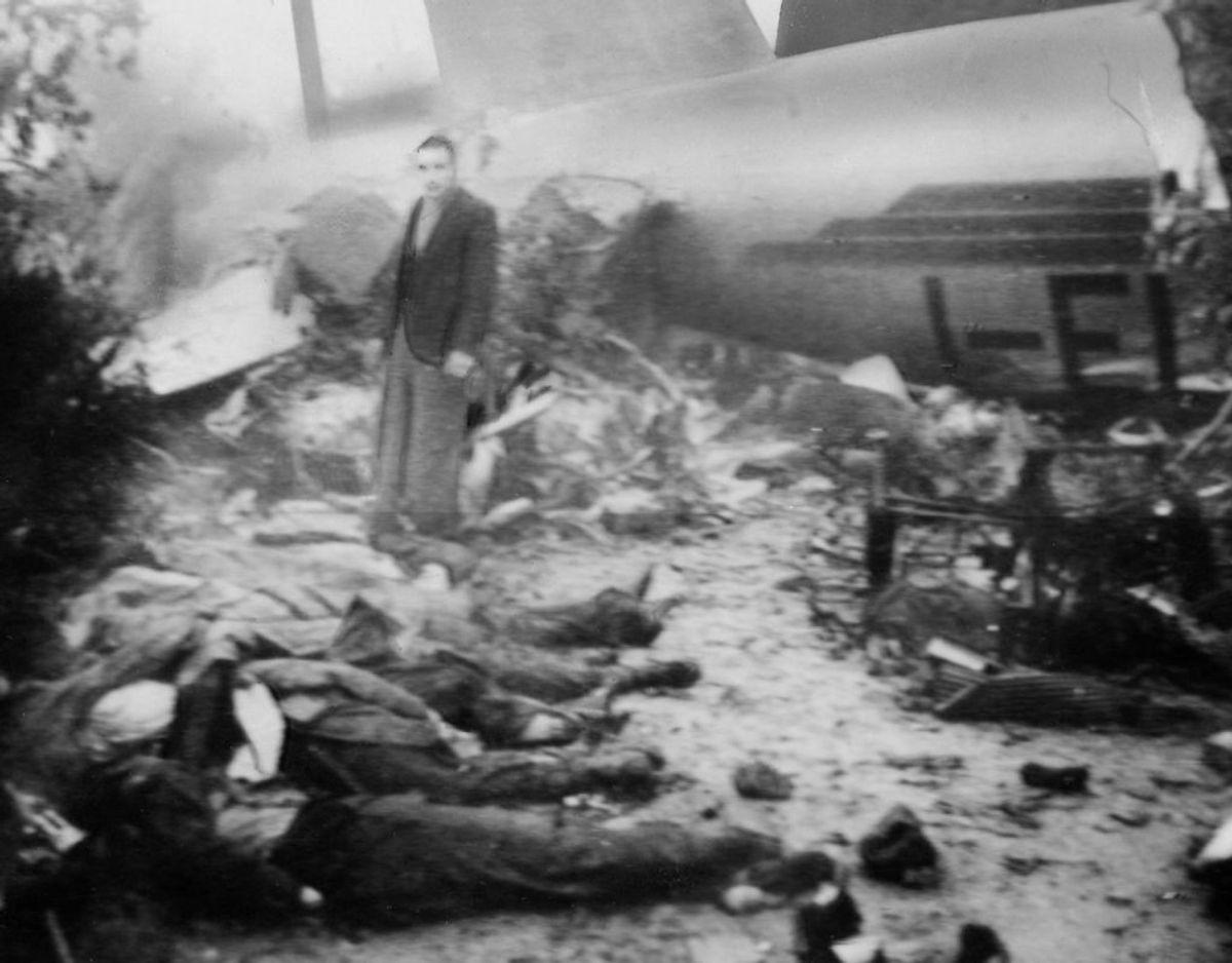 4. maj 1949: Et fly med det italienske mesterhold Torino styrter ned i et bjergområde i det nordlige Italien. Ingen om bord overlever, og 18 spillere fra den norditalienske fodboldklub omkommer. Foto: Scanpix
