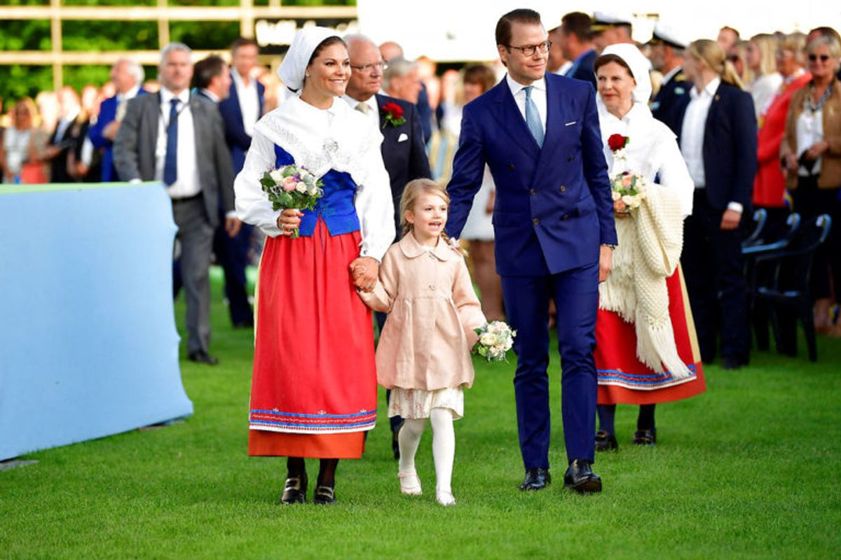 Prinsesse Estelle af Sverige er i dag syv år gammel. Hun skal arve tronen fra sin mor, kronprinsesse Victoria. (Foto: Scanpix)
