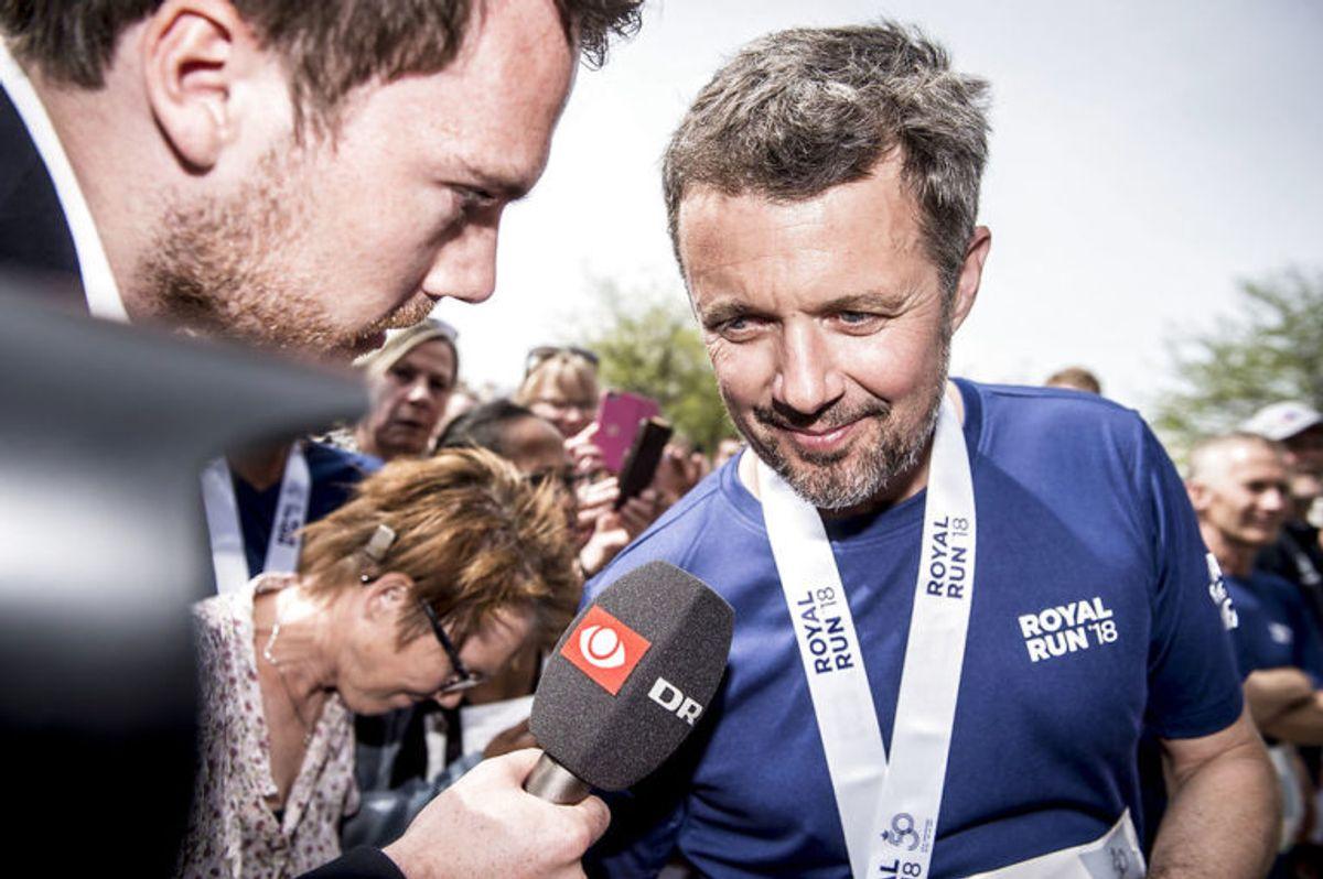 Kronprins Frederik efter sit løber under Royal Run i Aarhus, mandag den 21. maj 2018. I løbet af dagen løber Kronprinsen i Danmarks fem største byer i forbindelse med, at han fylder 50 år den 26. maj 2018. Royal Run-løbet er delt op i temaer, der afspejler Kronprinsens liv. I Aarhus er temaet studietiden.. (Foto: Mads Claus Rasmussen/Ritzau Scanpix)