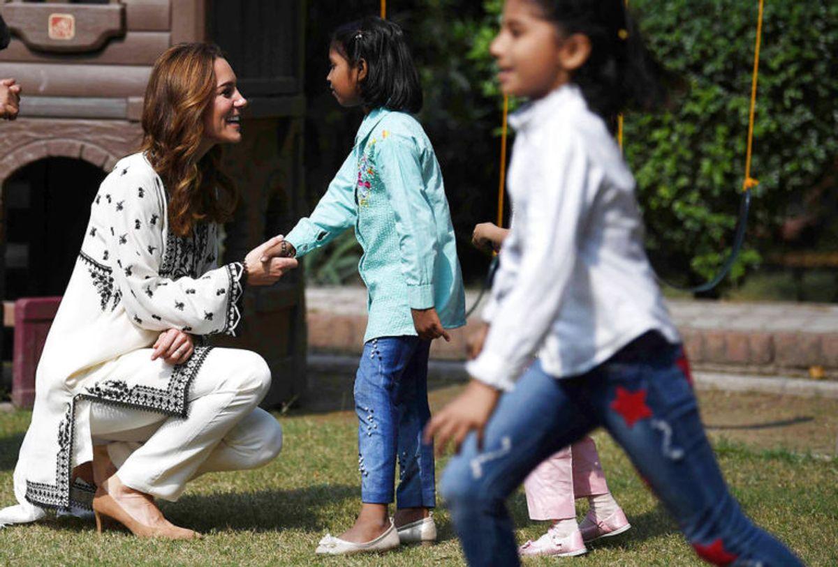 Kate og William har haft travle dage i Pakistan. KLIK VIDERE OG SE FLERE BILLEDER. Foto: Scanpix