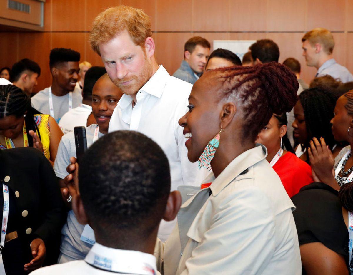 """Prins Harry grundlage i 2006 organisationen """"Sentebale"""" som har til formål at hjælpe unge i Botswana og Lesotho, der er blevet ramt af HIV. Netop Botswana bliver en af destinationerne på Afrika-rejsen. Klik videre i galleriet for flere billeder. Foto: Scanpix/REUTERS/Yves Herman"""
