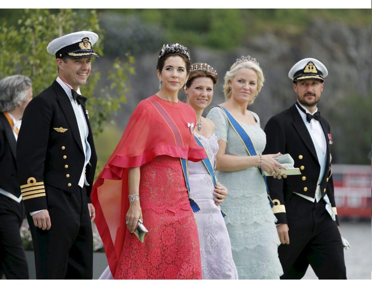 Det norske kronprinspar kan søndag fejre bryllupsdag. KLIK VIDERE OG SE BILLEDER FRA DET ROYALE PARS BRYLLUP.  Foto: Scanpix.