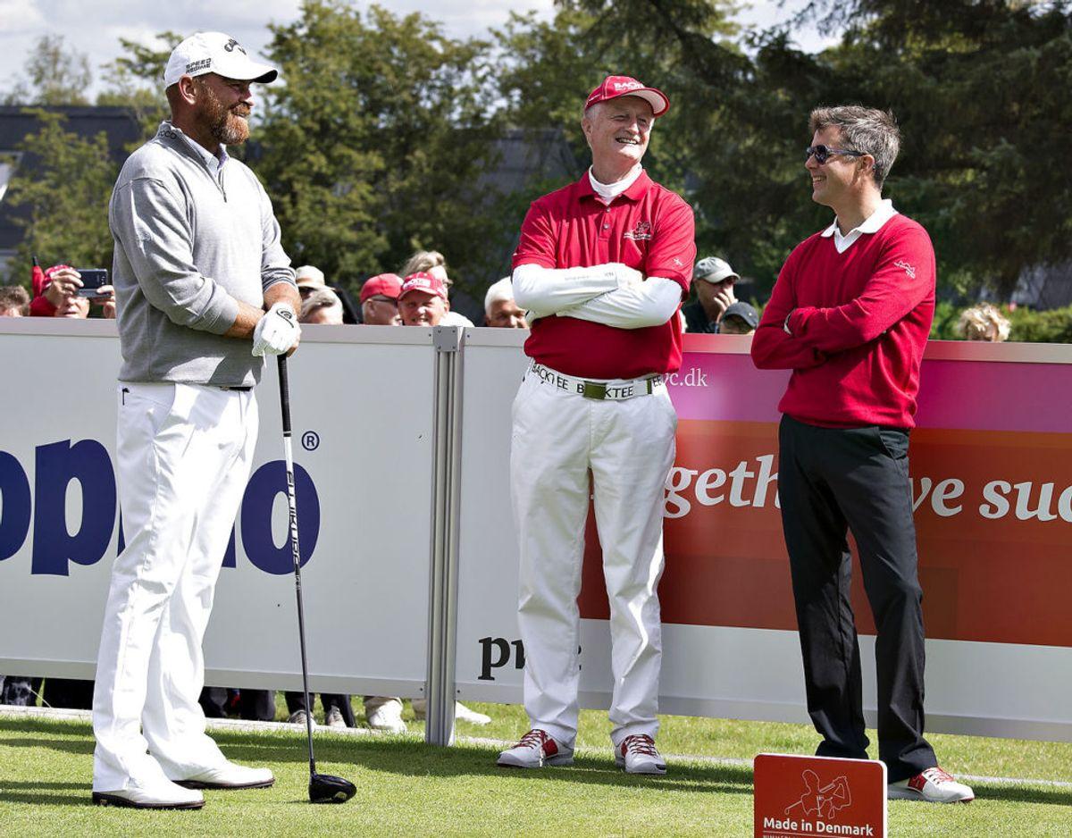 Også kronprins Frederik har flere gange mødt Lars Larsen, her er det ved golfturneringen MADE IN DENMARK, hvor han spillede en runde med Thomas Bjørn, Tom Kristensen og Lars Larsen. Arkivfoto: Scanpix.