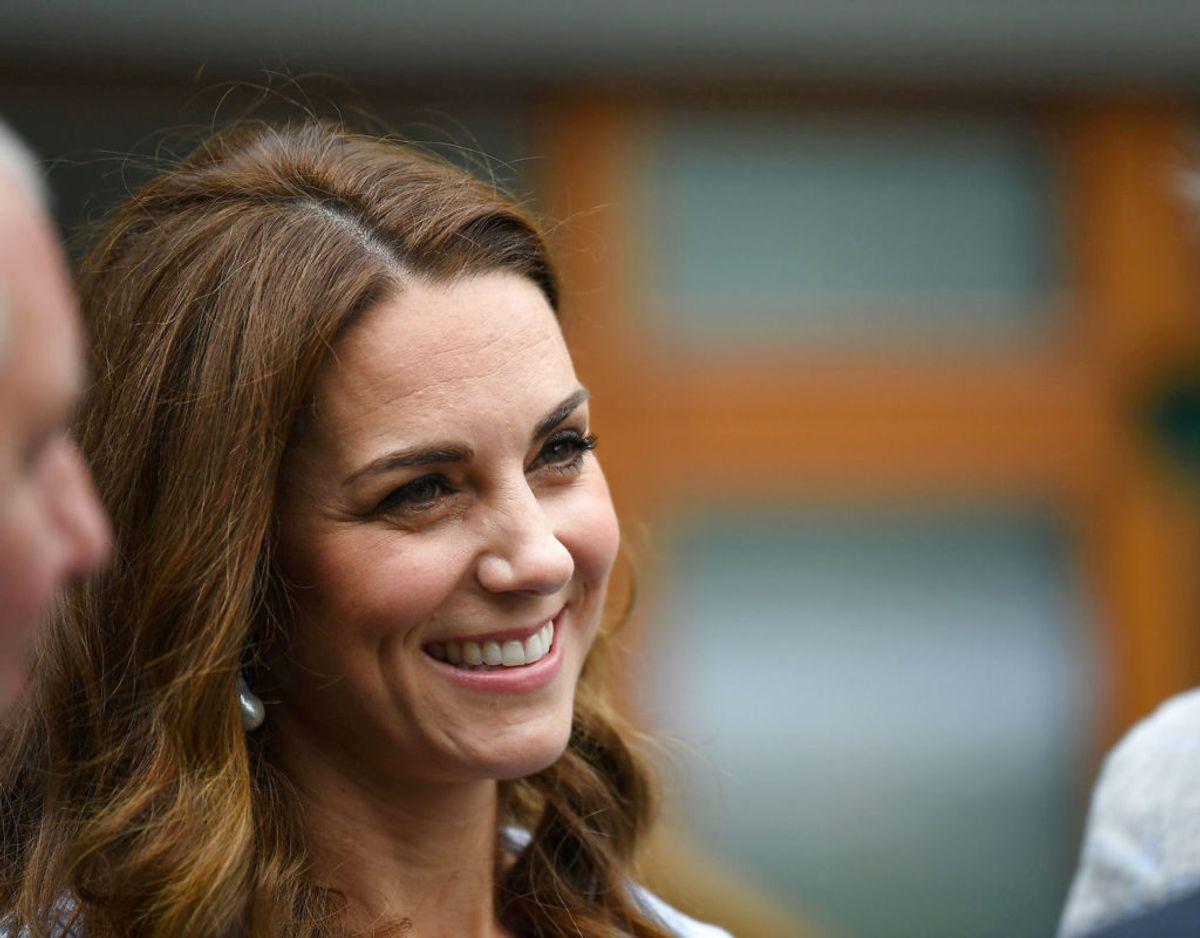 En venligt ment fødselsdagshilsen fra hertuginde Kate til svigerinden, hertuginde Meghan, har sat sindene i kog i Storbritannien.  Klik videre i galleriet for flere billeder. Foto: Scanpix/Jones/Pool via REUTERS