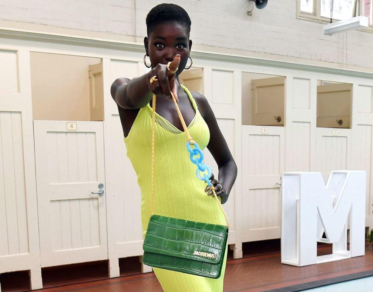 Modellen Adut Akech er med på forsiden, fordi hun er født i en flygtningelejr. Hun har siden kæmpet for flygtninges rettigheder og har samarbejdet med FN. Foto: Scanpix