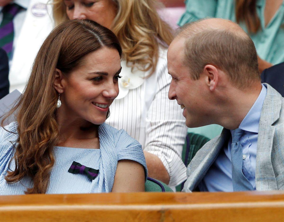 Sammen med prins William så hertuginde Kate herrernes finalekamp. Foto: Scanpix