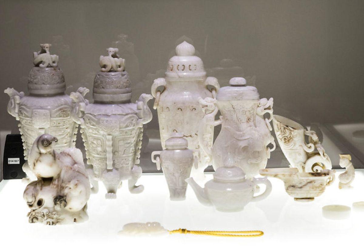 Prins Henriks samling af orientalsk jadekunst. Prinsen har hele sit liv samlet på asiatisk jadekunst, og samlingen udgør i dag en af verdens største. Foto: Scanpix