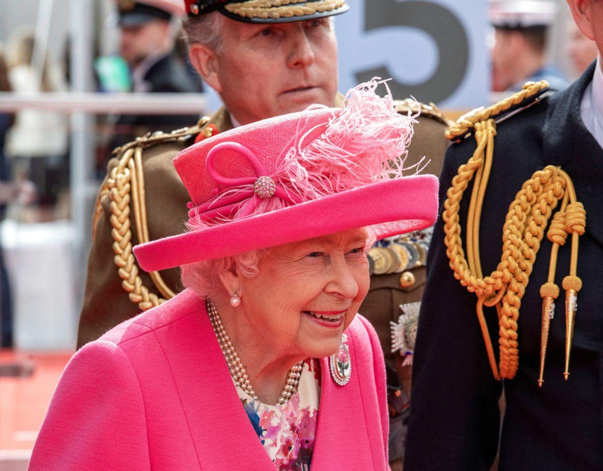 Trods sine 93 år passer dronning Elizabeth stadig sine royale pligter. Foto: Scanpix/Jack Hill/Pool via Reuters