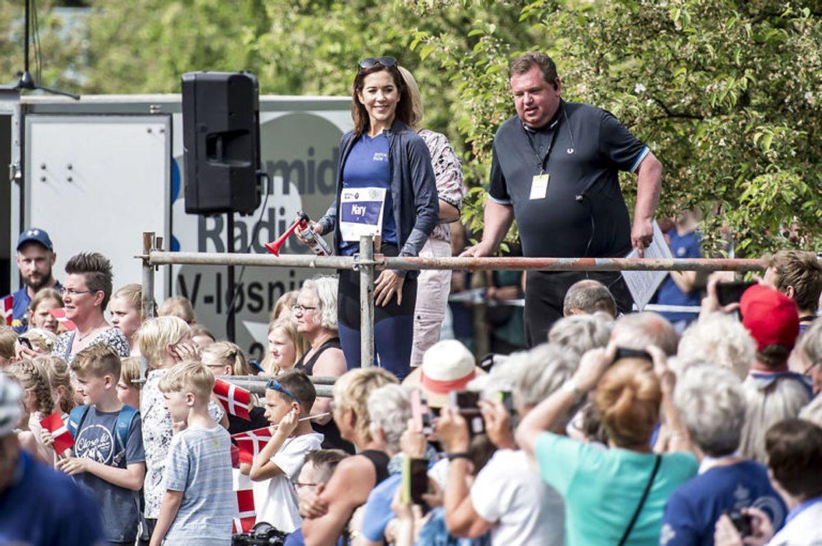Kronprinsesse Mary løber Royal Run i Odense, mandag den 21. maj 2018. I løbet af dagen løber Kronprins Frederik i Danmarks fem største byer i forbindelse med, at han fylder 50 år den 26. maj 2018. Royal Run-løbet er delt op i temaer, der afspejler Kronprinsens liv. I Odense er temaet OL.. (Foto: Mads Claus Rasmussen/Ritzau Scanpix)