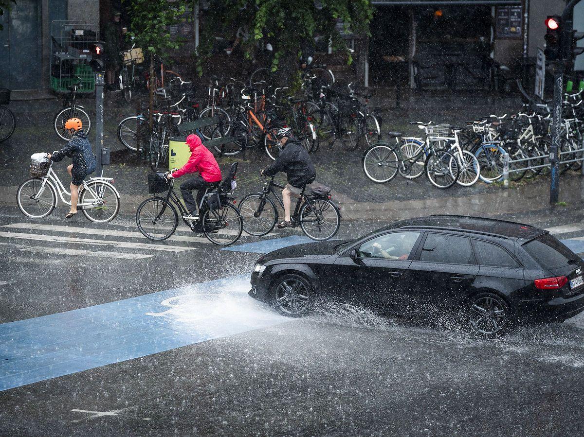 LIGE NU! Voldsomt vejr har kurs mod Danmark