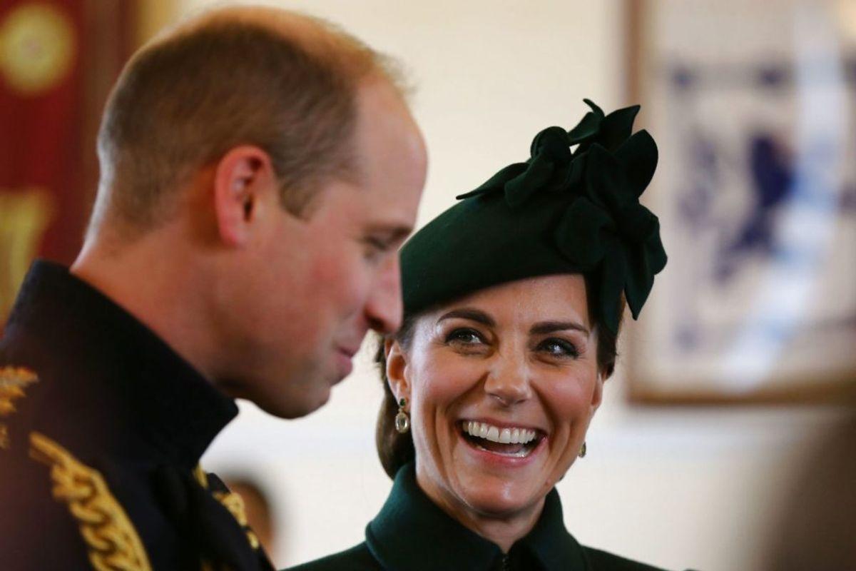 Prins William og hertuginde Kate ved St. Patricks Day-paraden søndag. (Foto: Gareth FulleR/Scanpix).