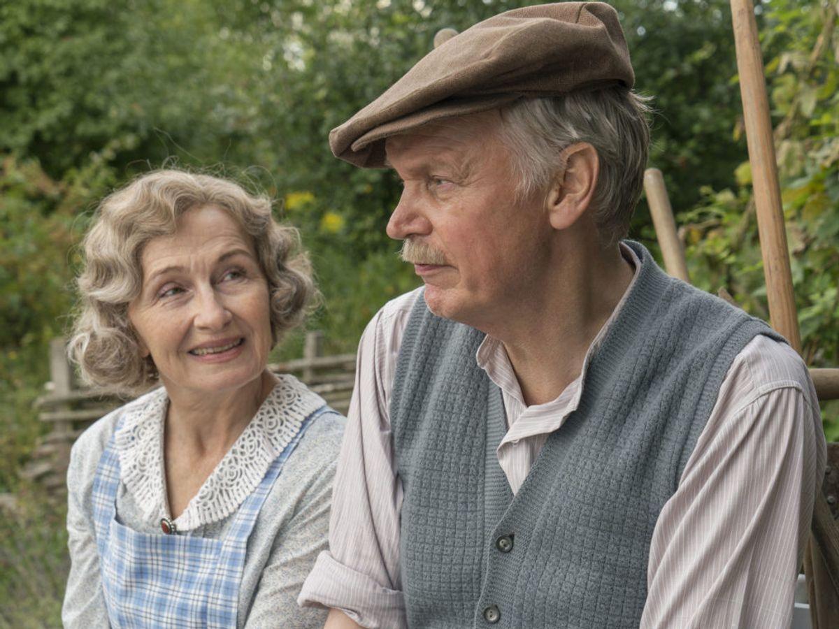Alderen trykker for Molly og Peter Andreas, men de kæmper videre trods sygdom og problemer. Foto: Mike Kollöffel /TV 2
