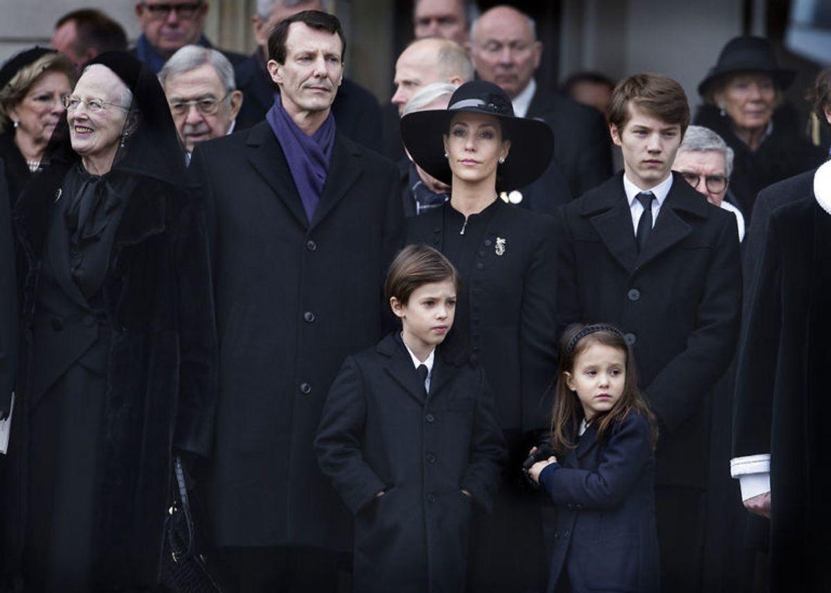 Den kongelige familie udenfor kirken efter Prins Henrik bisættelse fra Christiansborg Slotskirke tirsdag den 20 februar 2018. (Foto: Liselotte Sabroe/Scanpix 2018)