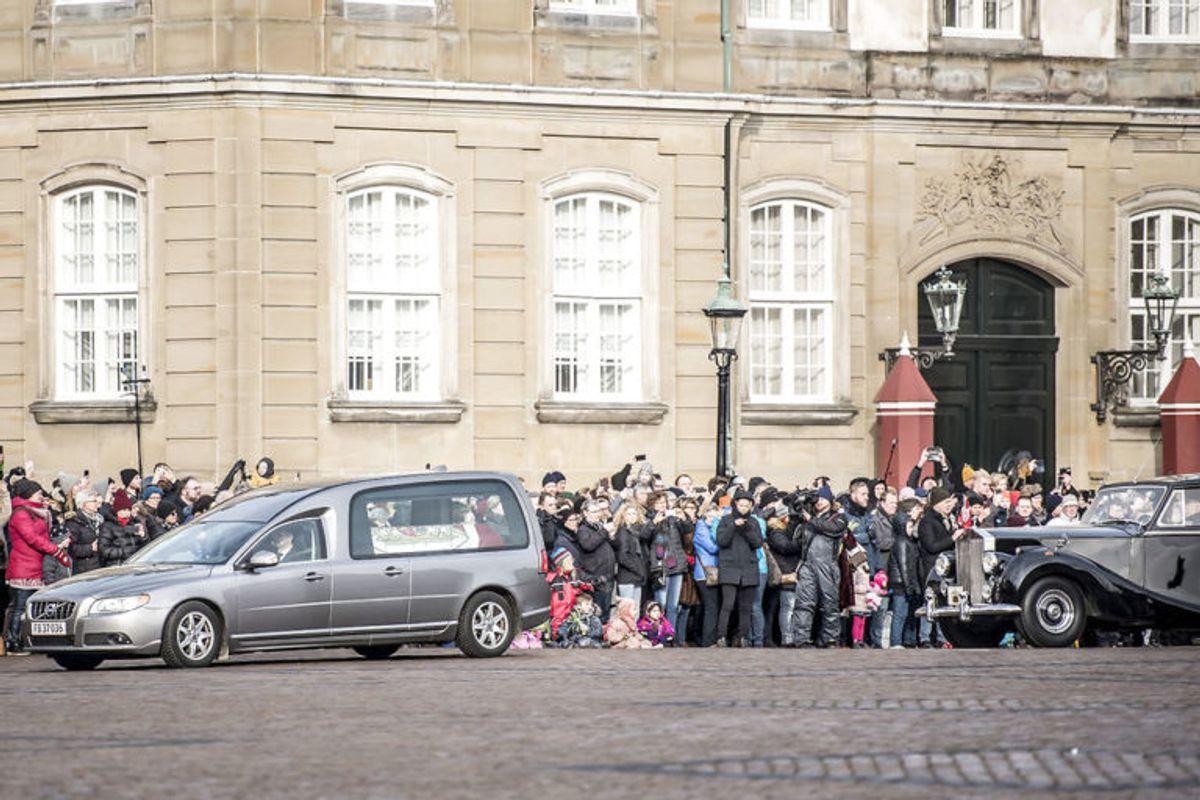 Prins Henriks bisættelse vækker stærke minder. KLIK VIDERE OG SE DE MANGE BILLEDER. Foto: Scanpix