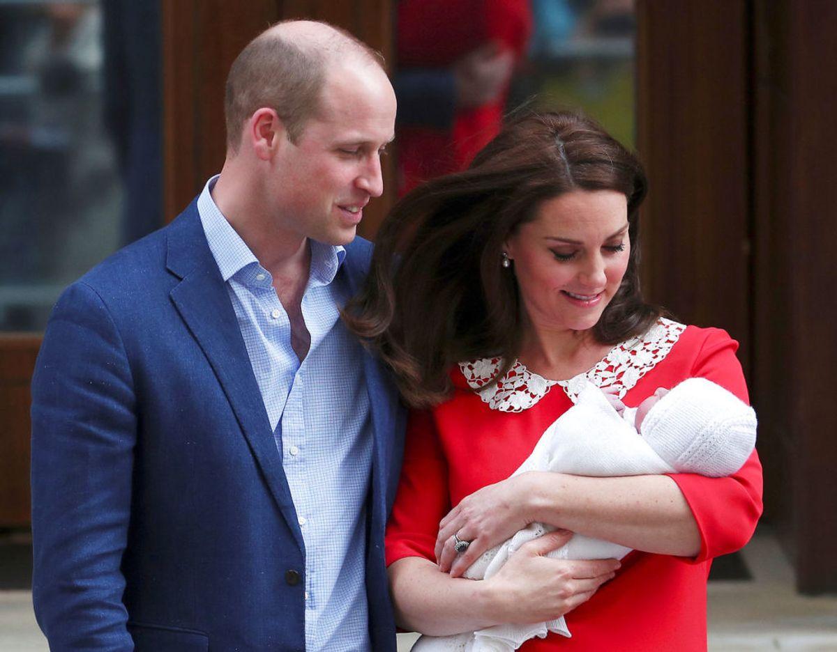 Selv efter fødslen af sin datter Catherine er der ikke noget slips. Foto: Scanpix