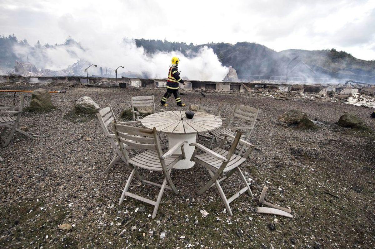 Svinkløv Badehotel brændte natten til 26. september 2016. Der stod ikke meget tilbage efter branden. KLIK VIDERE FOR AT SE, HVORDAN DET GENOPBYGGEDE BADEHOTEL SER UD I DAG. (Foto: Scanpix)