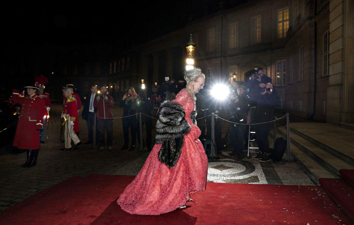 Dronning Margrethe ankommer til Nytårskur og -taffel for regeringen, folketingets formand, repræsentanter for det officielle Danmark og hoffet i Christian VII's Palæ, Amalienborg i København, tirsdag den 1. januar 2019. (Foto: Keld Navntoft /Ritzau Scanpix 2018)