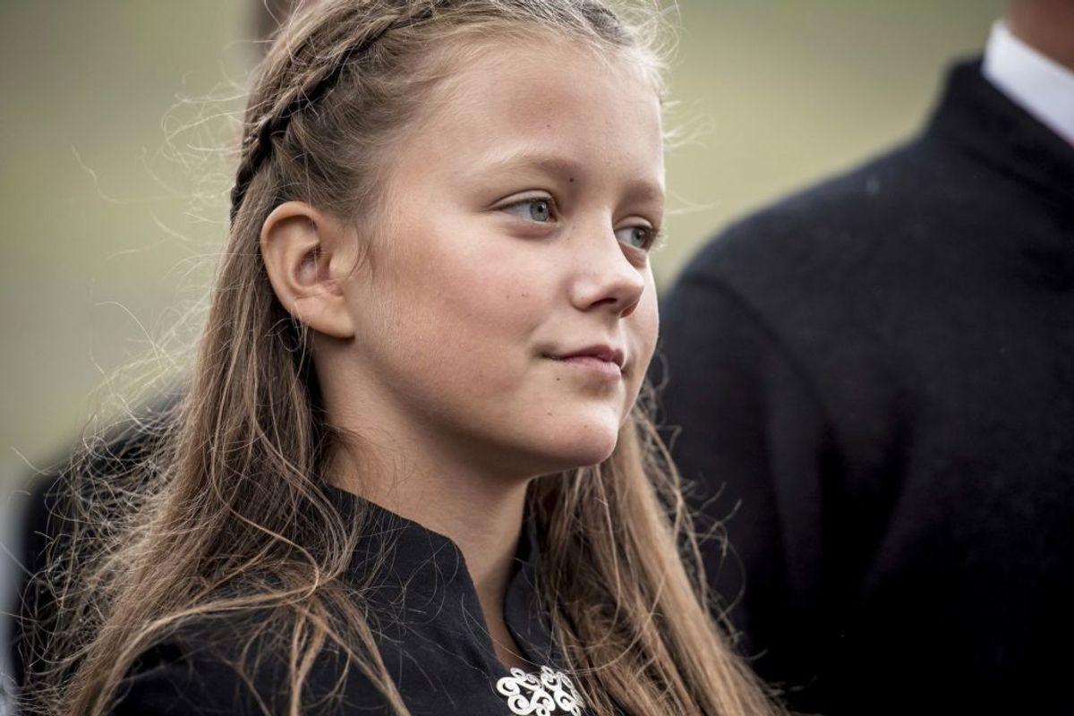Prinsesse Isabella besøger syngende børn ved Osalund i forbindelse med deres officielle besøg på Færøerne, fredag den 24. august 2018.. (Foto: Mads Claus Rasmussen/Ritzau Scanpix)