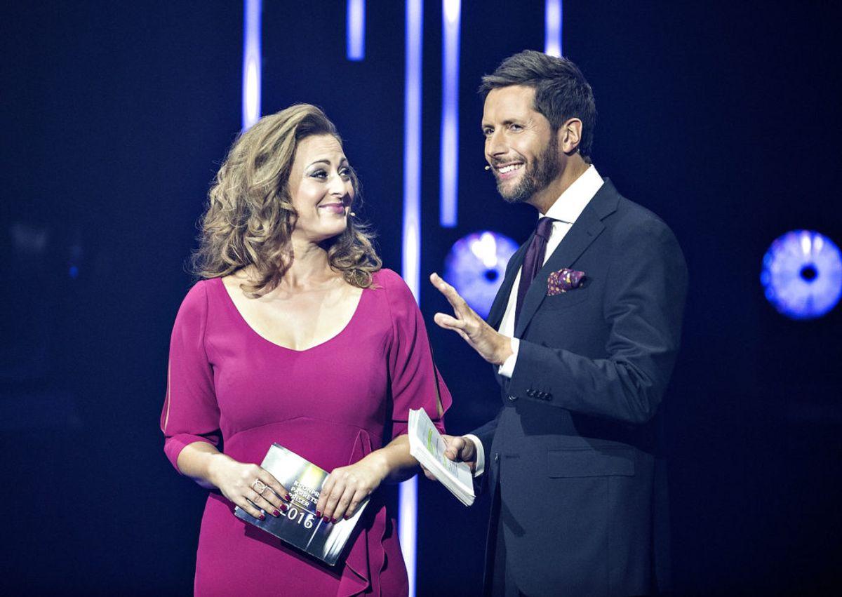 Stephanie Surrugue som vært på Kronprinsparrets Priser med Kåre Quist.