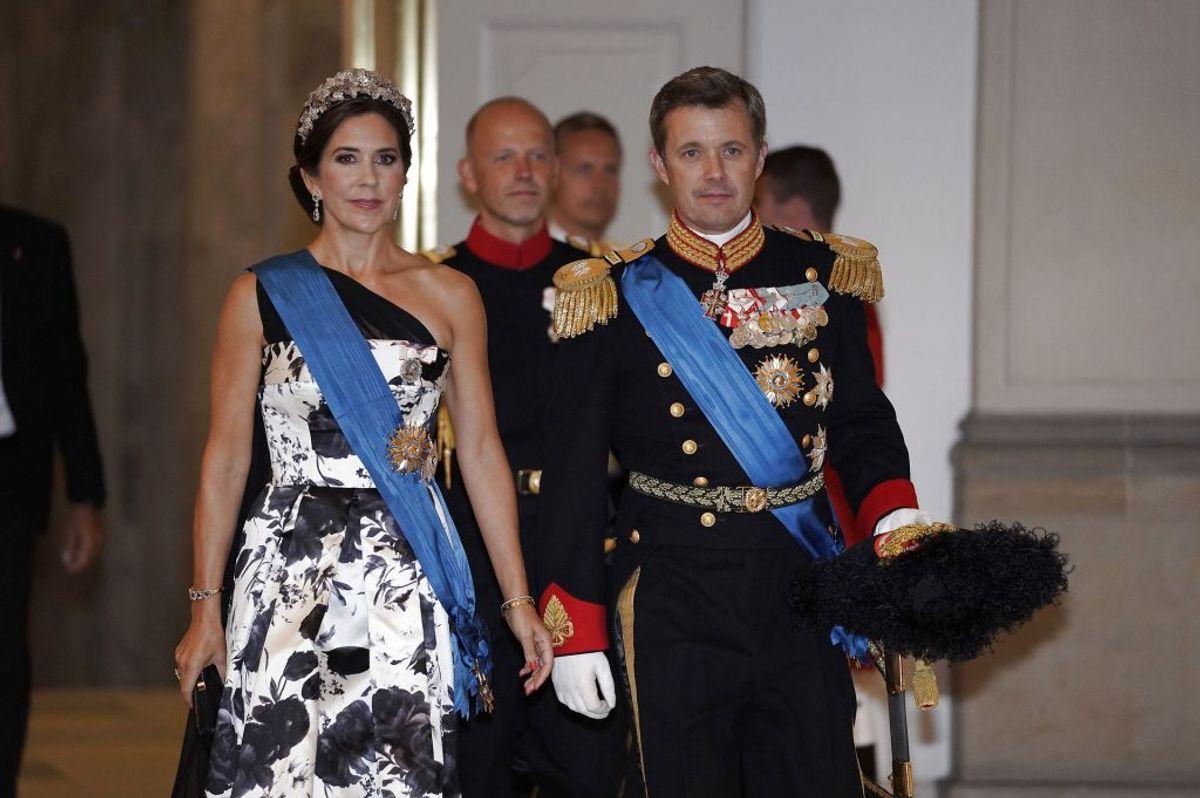 Kronprinsesse Mary og kronprins Frederik ankommer. (Foto: Martin Sylvest/Scanpix 2018)