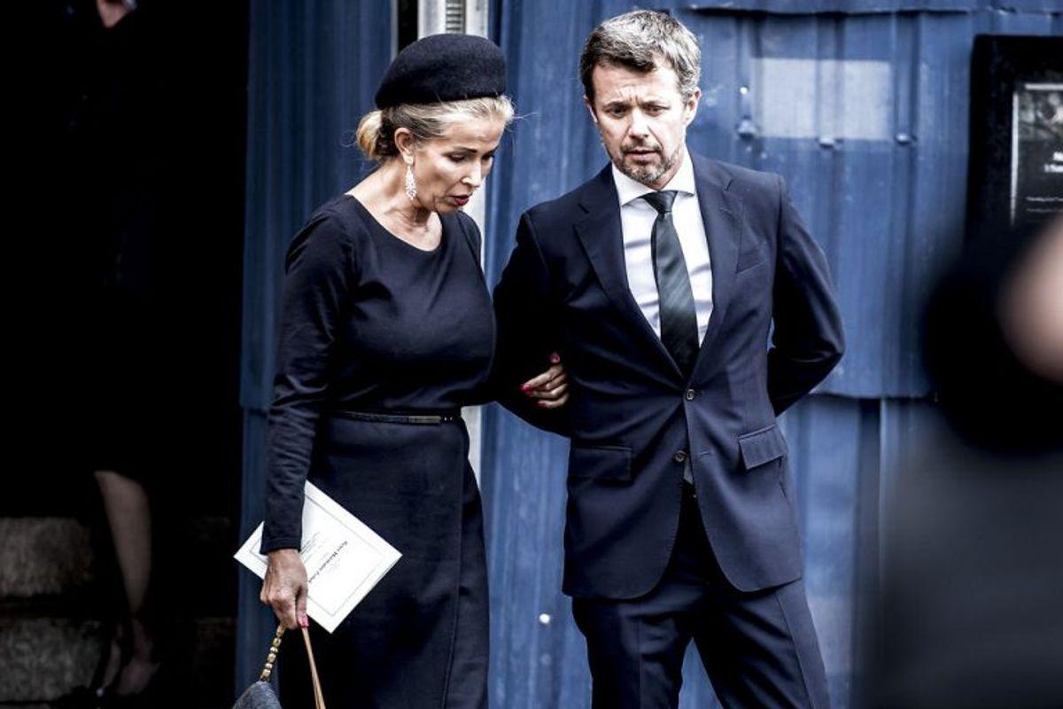 Peter Zobel var på fornavn med det danske kongehus – her er det ekskonen Henritte Zobel og kronprins Frederik, der sammen er på vej ud fra kirken. Arkivfoto: Mads Claus Rasmussen/Scanpix