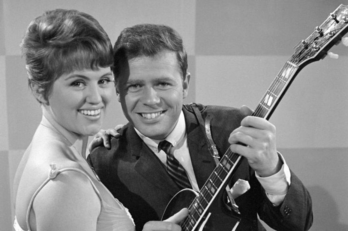 1963: Grethe og Jørgen Ingmann hev for første gang sejren i Eurovision Song Contest hjem til Danmark. Foto: Kurt Lorentzen/Scanpix (Arkivfoto)