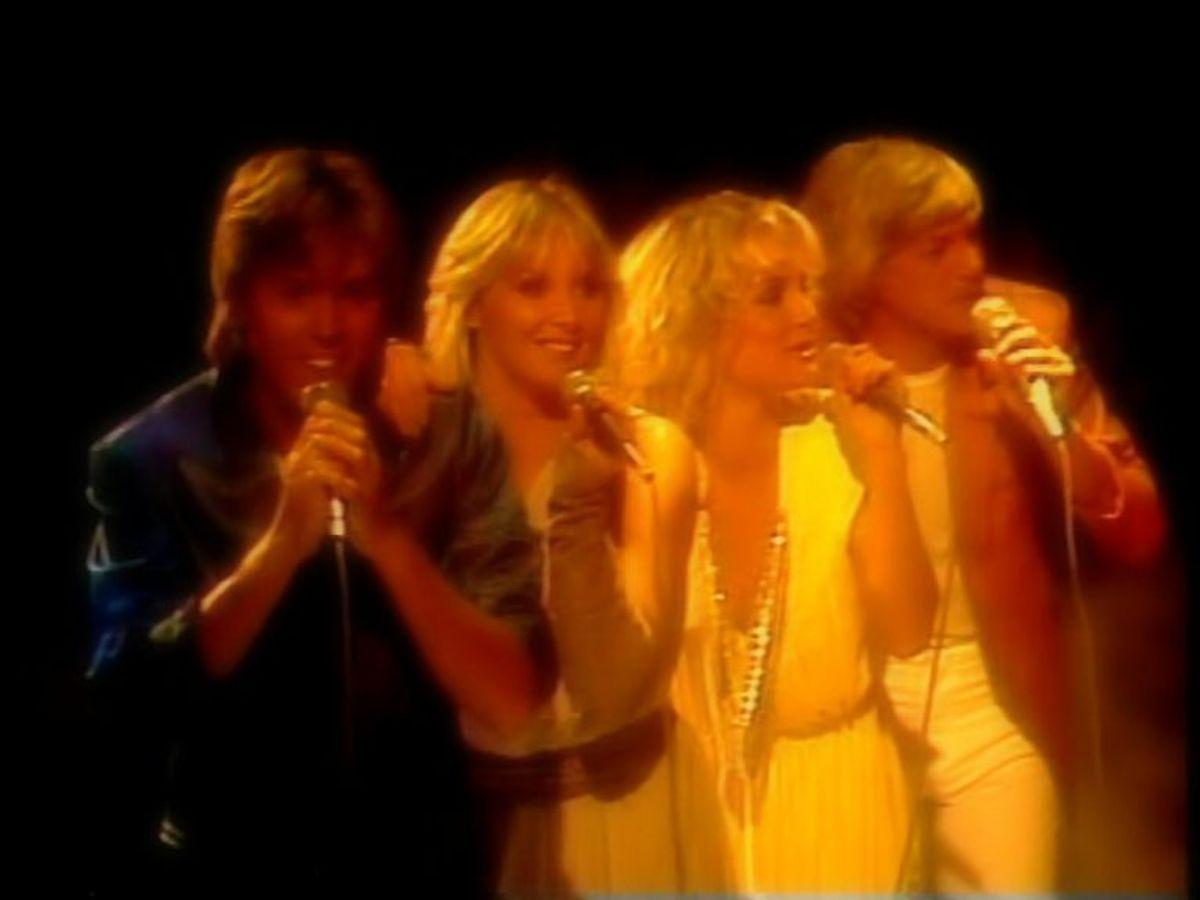 """1981: Der var fart over dette års vindersang. Bucks Fizz fremførte """"Making your mind up"""". Foto: Tuzapicabit/Wikipedia (Arkivfoto)"""