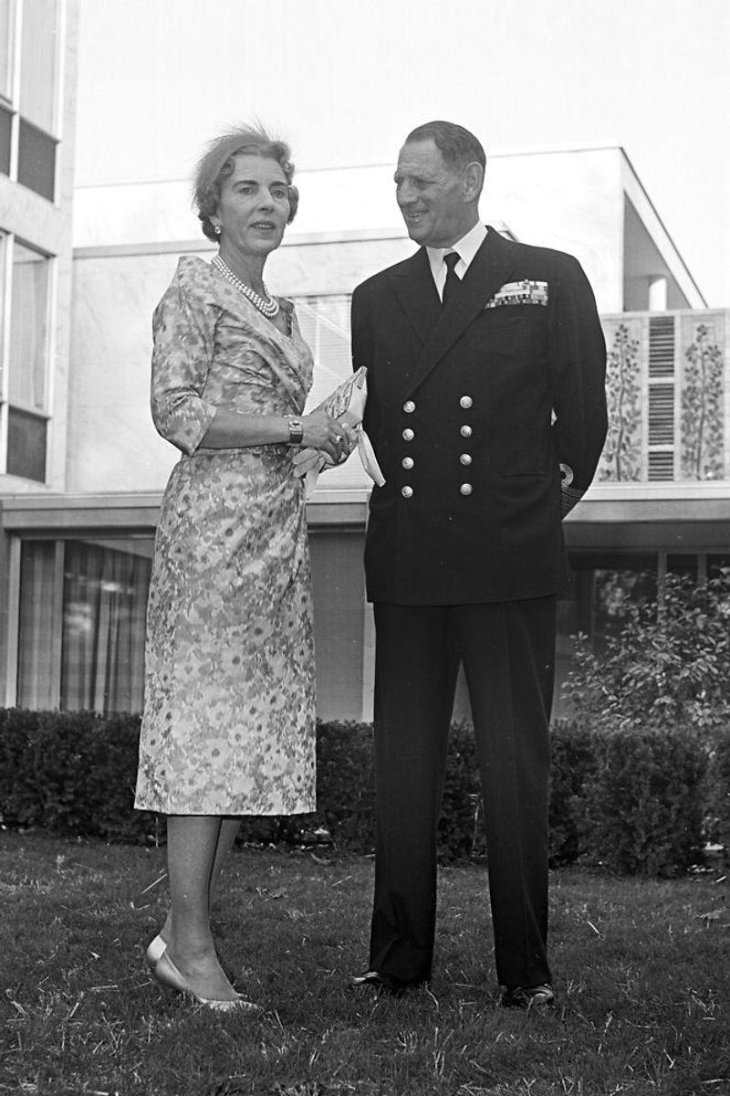 Dronning Ingrid og Kong Frederik IX besøger den danske ambassade i Washington. Arkivfoto: Scanpix