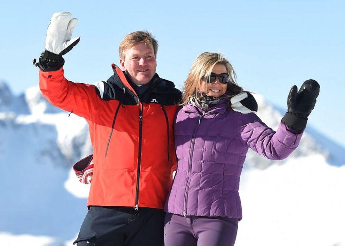 Kong Willem-Alexander og dronning Maxima poserer for pressen. Foto: Andreas Gebert/Scanpix.