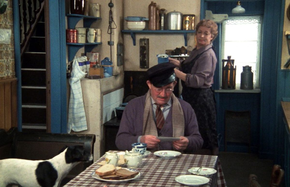 Lily Broberg spillede grisehandler Larsens hustru. Hun døde den 30. juli 1989. Hun blev 65 år. Foto: DR (Arkivfoto)