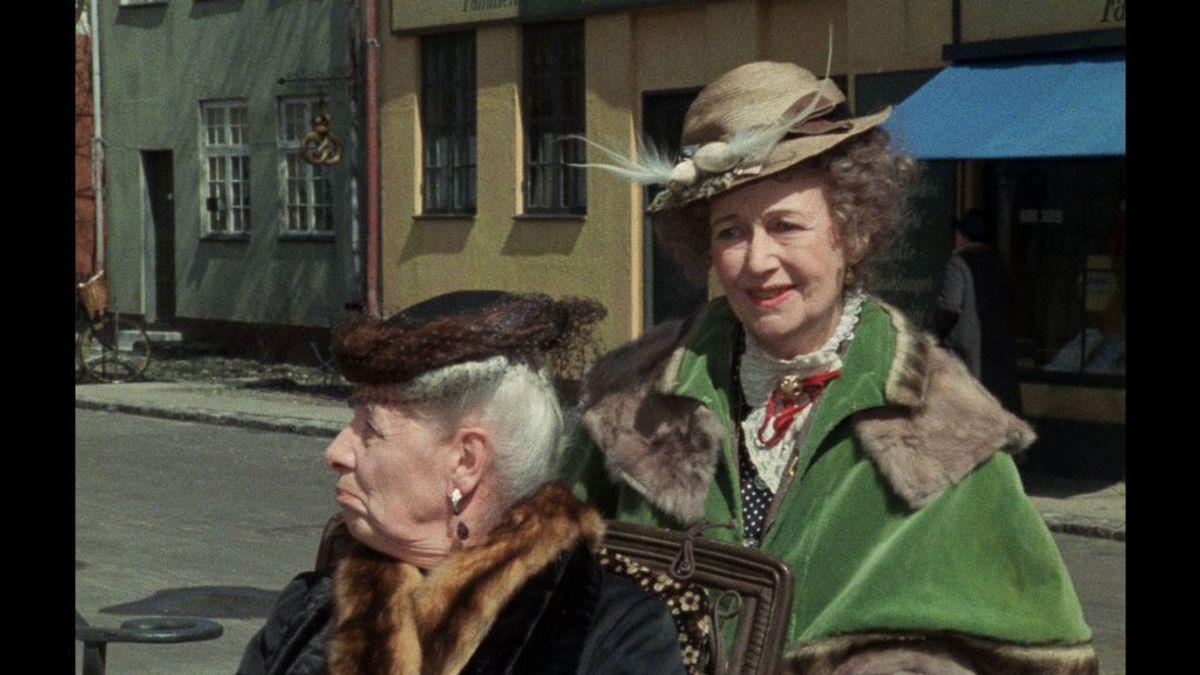 Karin Nellemose spillede Misse Møhge. Hun døde den 5. august 1993 i en alder af 88 år. Foto: DR (Arkivfoto)