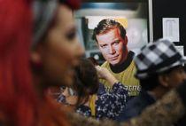 Star Trek-stjerne sender besked til fartøj i det ydre rum