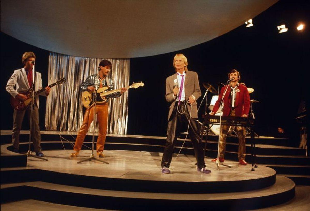 Dansk Melodi Grand Prix 1982. Vinder blev Jens Brixtofte og gruppen Brixx med sangen Video, video. Foto: Bent K Rasmussen/Scanpix (Arkivfoto)