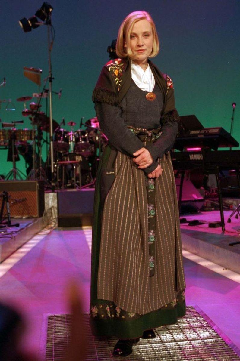 Aud Wilken vandt i 1995 med sangen Fra Mols til Skagen. Foto: NILS MEILVANG/Scanpix (Arkivfoto)